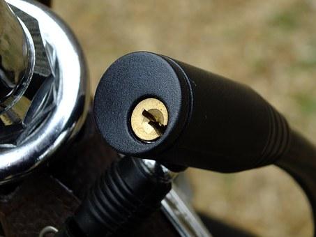 key-hole-1262417__340.jpg