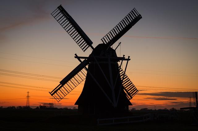 windmill-384622_640.jpg